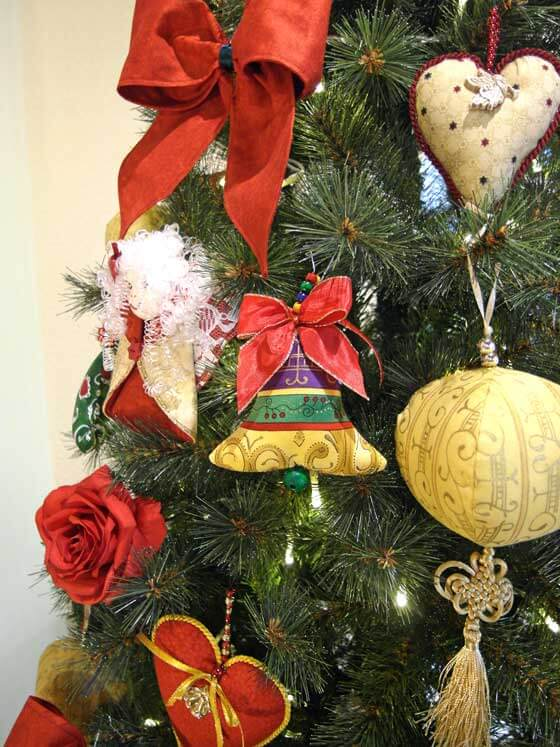 13_glocke_am_weihnachtsbaum