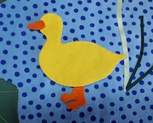 Babyspieluhr-Ente-platzieren
